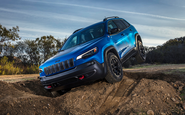 New 2019 Jeep Cherokee Trailhawk First Drive Jeep Cherokee