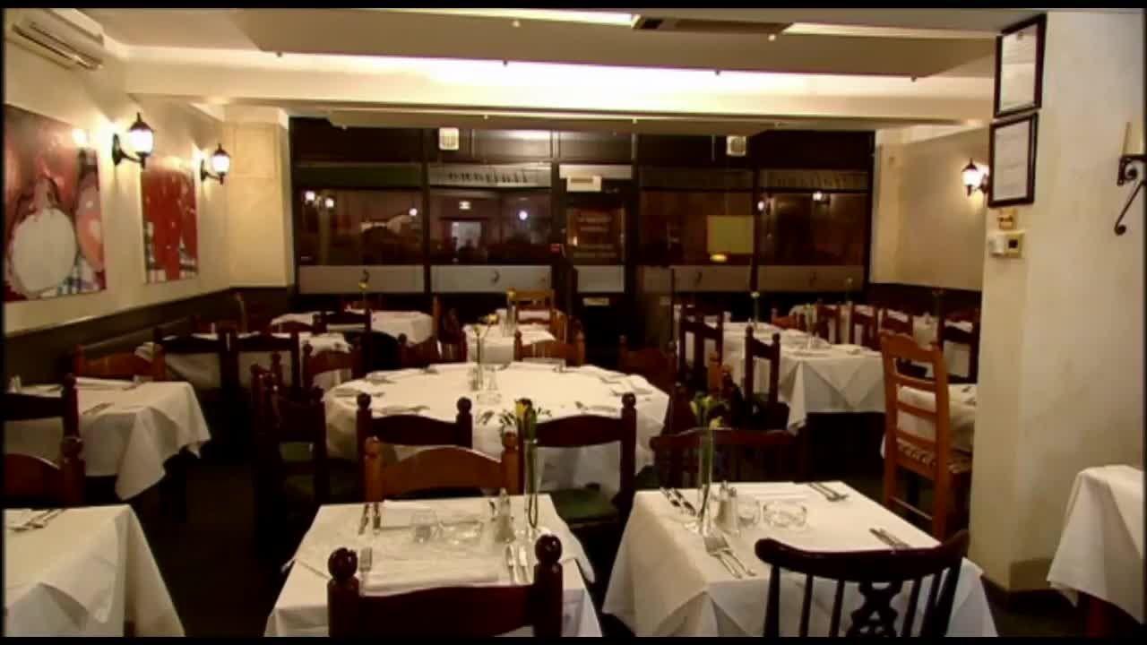 Ramsay S Kitchen Nightmares La Lanterna Closed Kitchen Nightmares Gordon Ramsay Chef Gordon Ramsay
