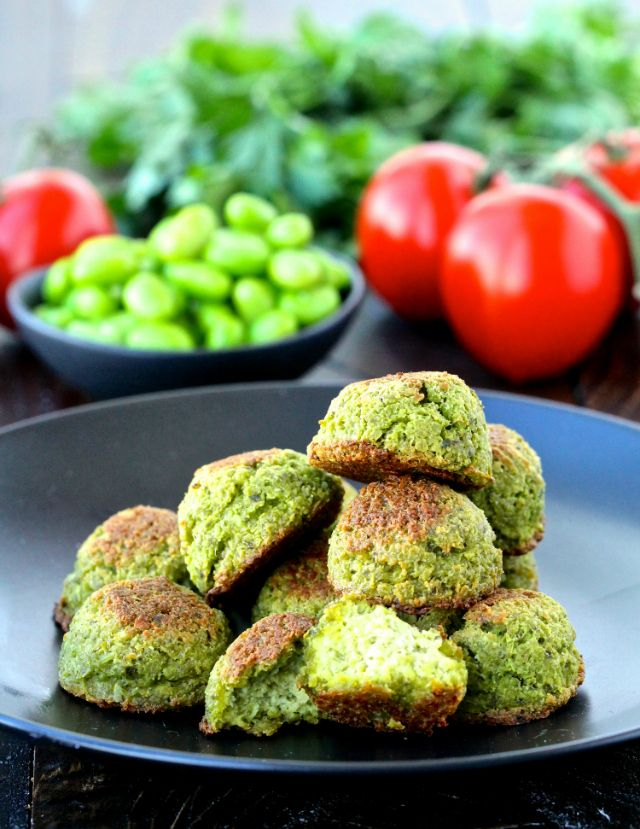 Edamame Falafel Sandwiches- made with edamame instead of chickpeas, these nutrient-packed sandwiches are a delicious twist on a classic dish! | @foodiephysician