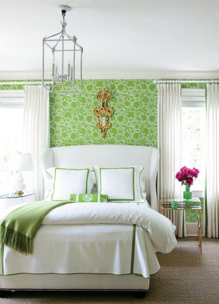 Vintage Tapete Schlafzimmer Gestalten Grünes Muster Blumen Weiße ... Schlafzimmer Vintage Gestalten