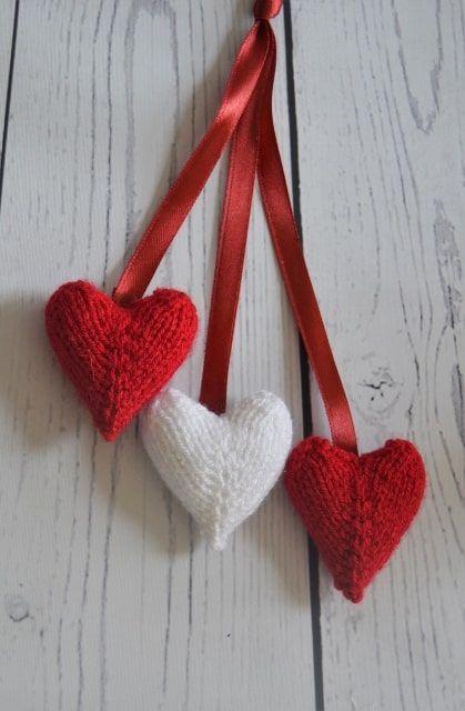 FREE Hearts Charm Knitting Pattern