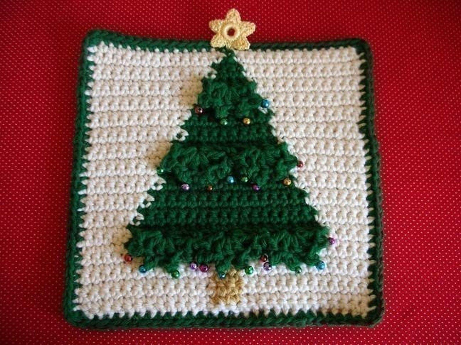 Christmas Tree Potholder Crochet Pattern In 2020 Crochet Potholder Patterns Potholder Patterns Crochet Potholders