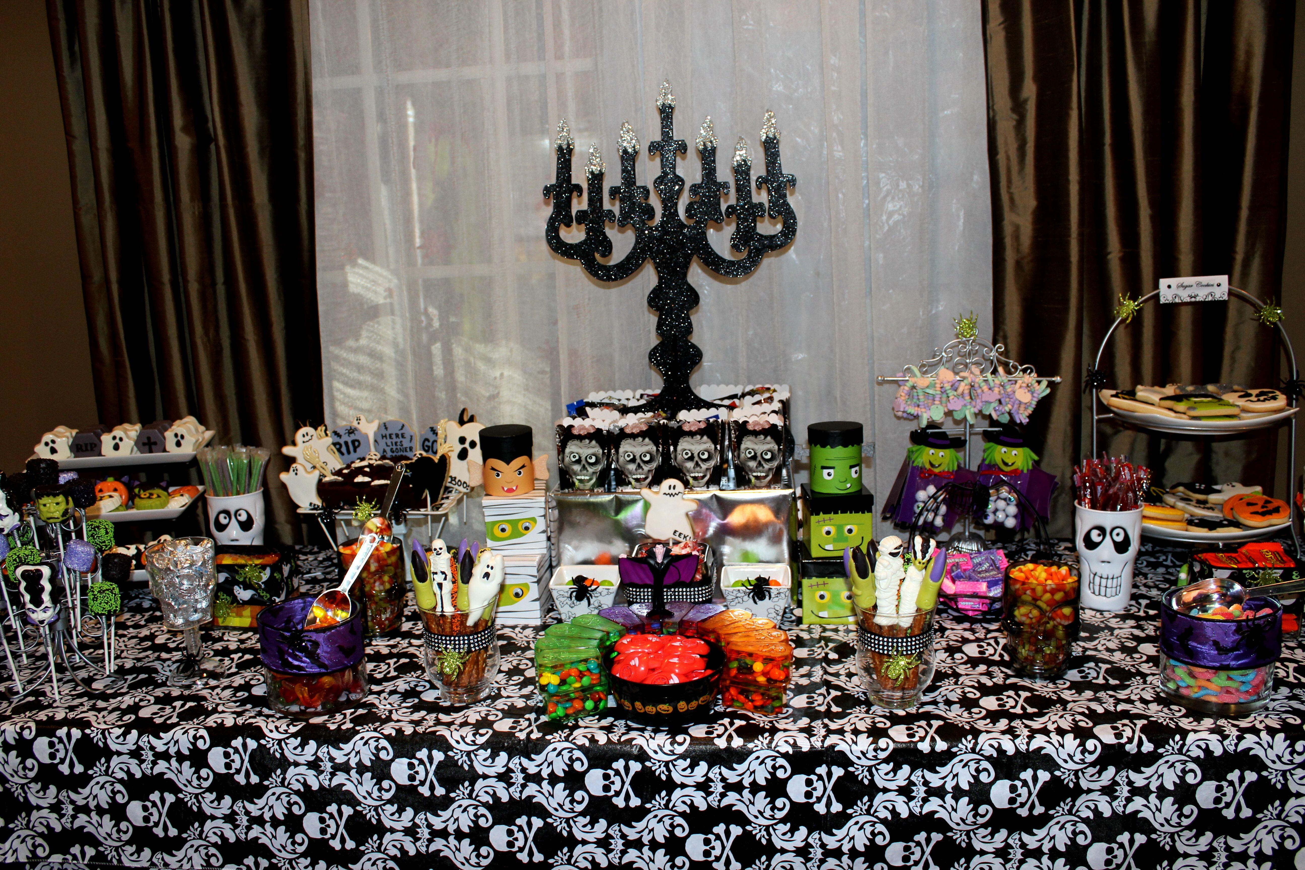 Halloween buffet table - Halloween Candy Table