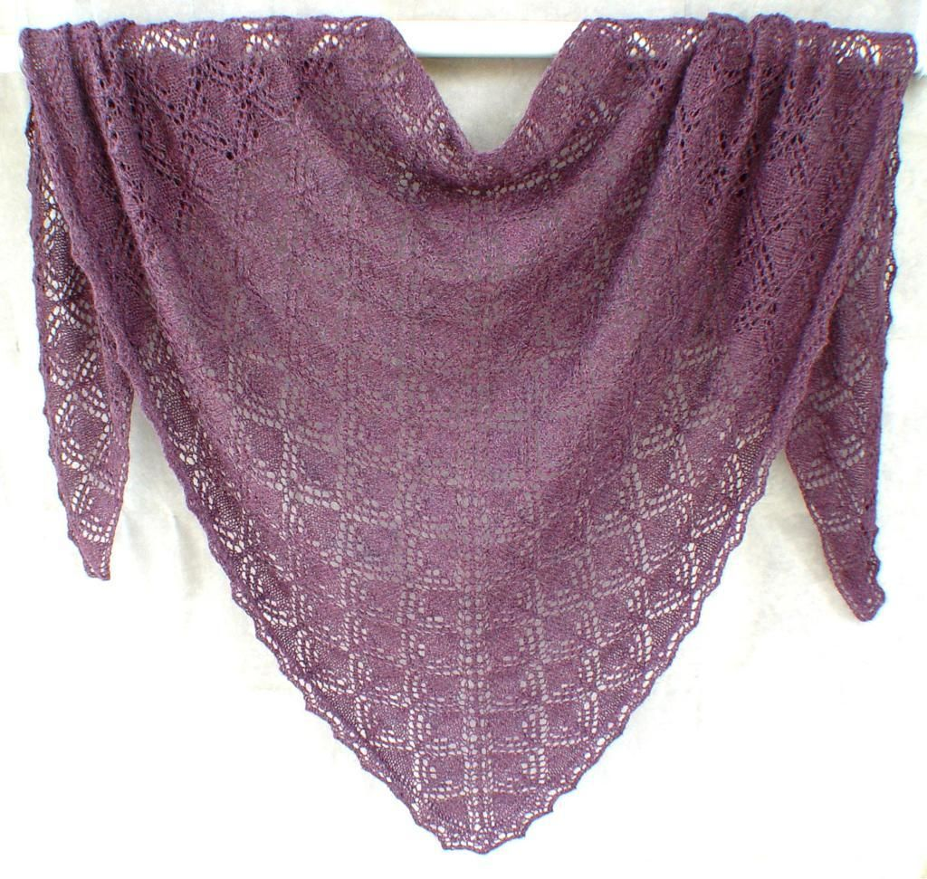 Triangles within Triangles Shawl | Shawl, Free knitting and Shawl ...