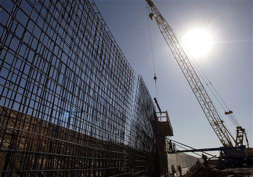 INMIGRACIÓN: ¿Es realmente necesaria una súper muralla en la frontera con México para que pase la Reforma? https://www.washingtonhispanic.com/nota15754.html