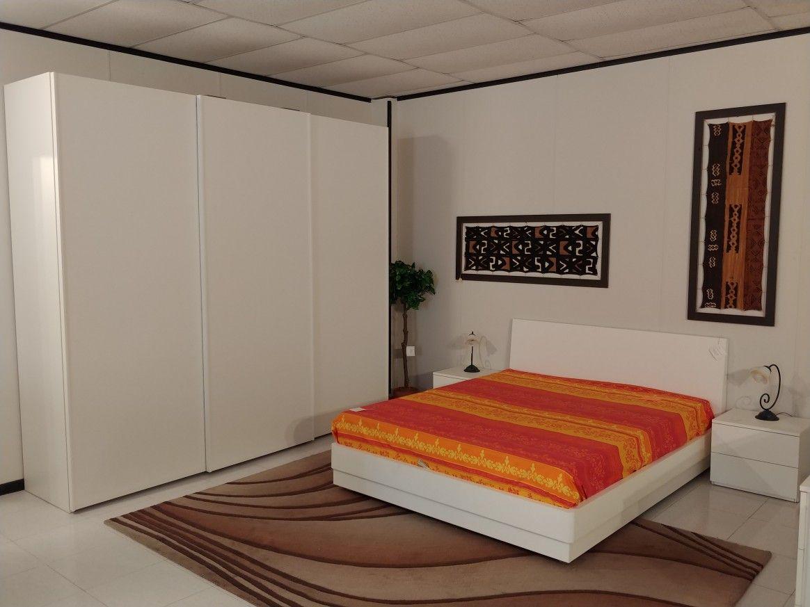 OUTLET per rinnovo locali... Camera in frassino bianco con letto a ...