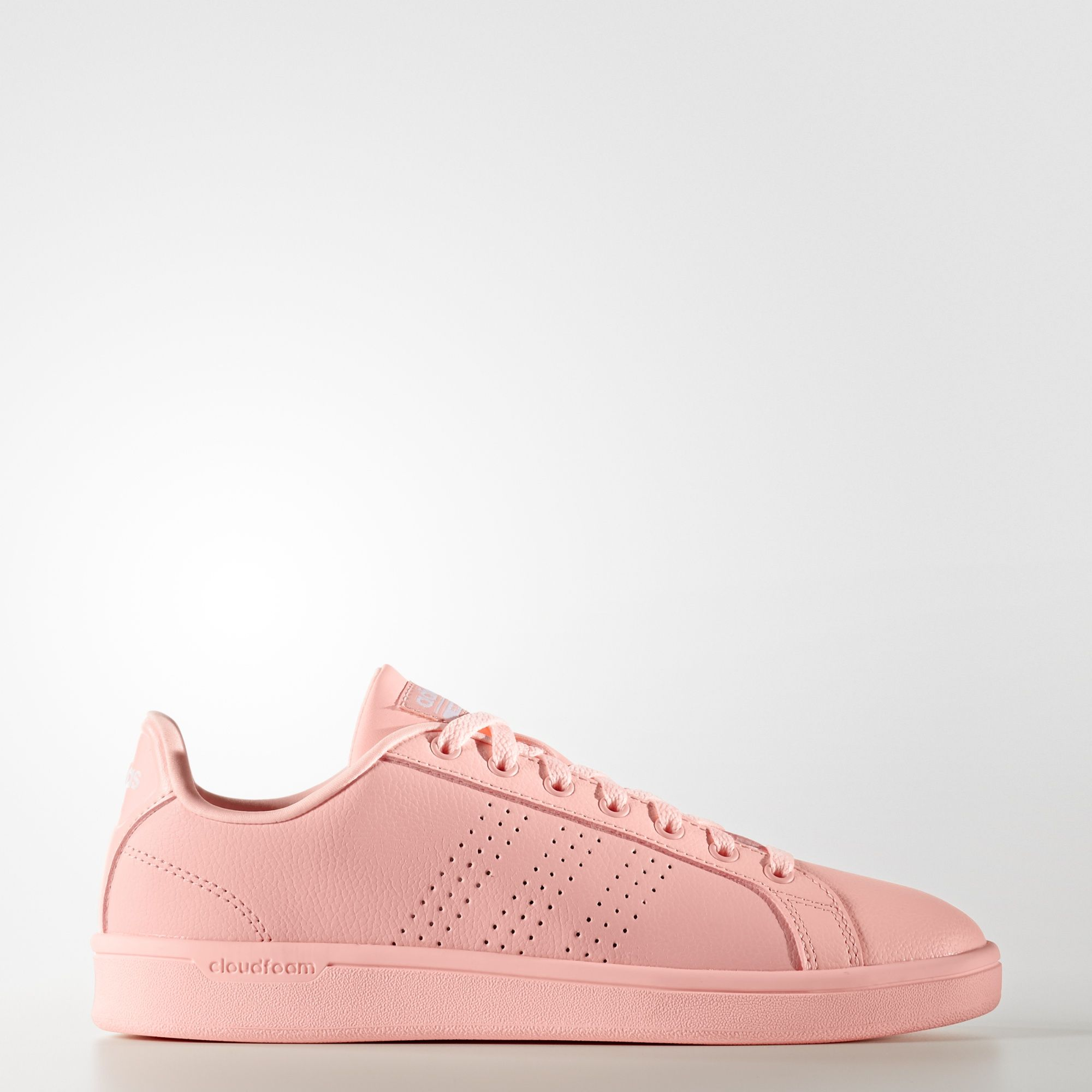 Clean court style with a feminine look. Perforated 3-Stripes ...