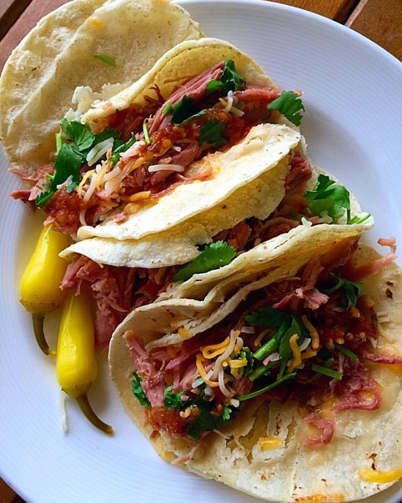 Tacos for weekend's breakfast. Yes why not? I'm really addicted to these as they have no harmful ingredients and fillers are gluten-free less fattening and contain less sodium and they are delicious . Ok I admit I love its filling like this so it's nice to have a healthy alternative. Yum by hoangthaiduy