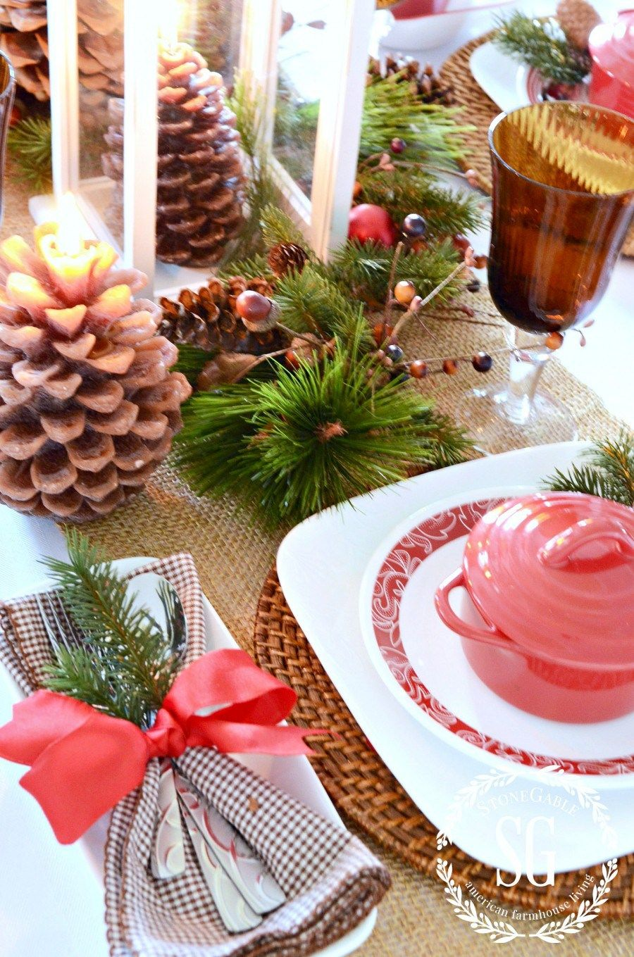 10 TIPS FOR SETTING A CHRISTMAS TABLE Rustic