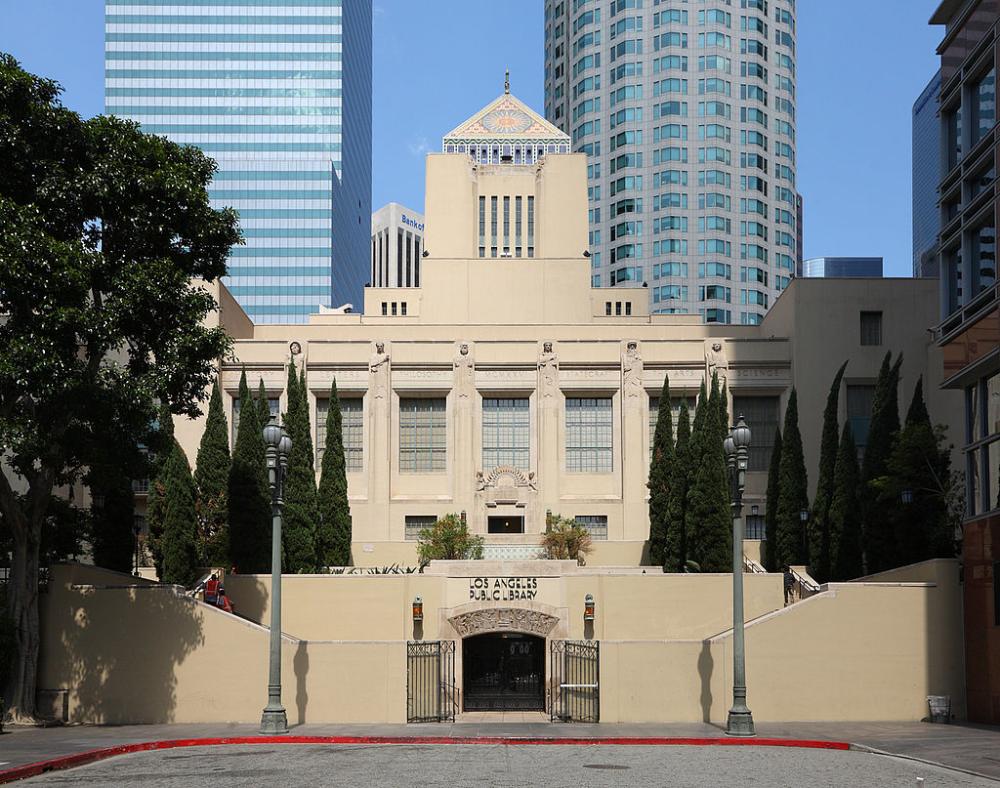 Los Angeles Central Library Los Angeles Public Library Wikipedia In 2020 Central Library Beautiful Library Los Angeles Attractions