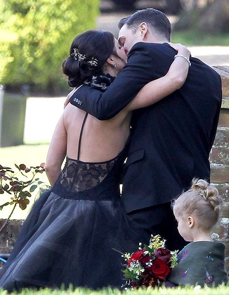 Shenae Grimes Wedding New Pictures And Exclusive Details Shenae Grimes Wedding Shenae Grimes Celebrity Weddings