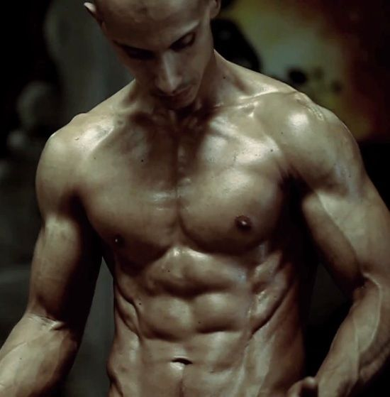 Video Superhuman Bodyweight Workout With Frank Medrano