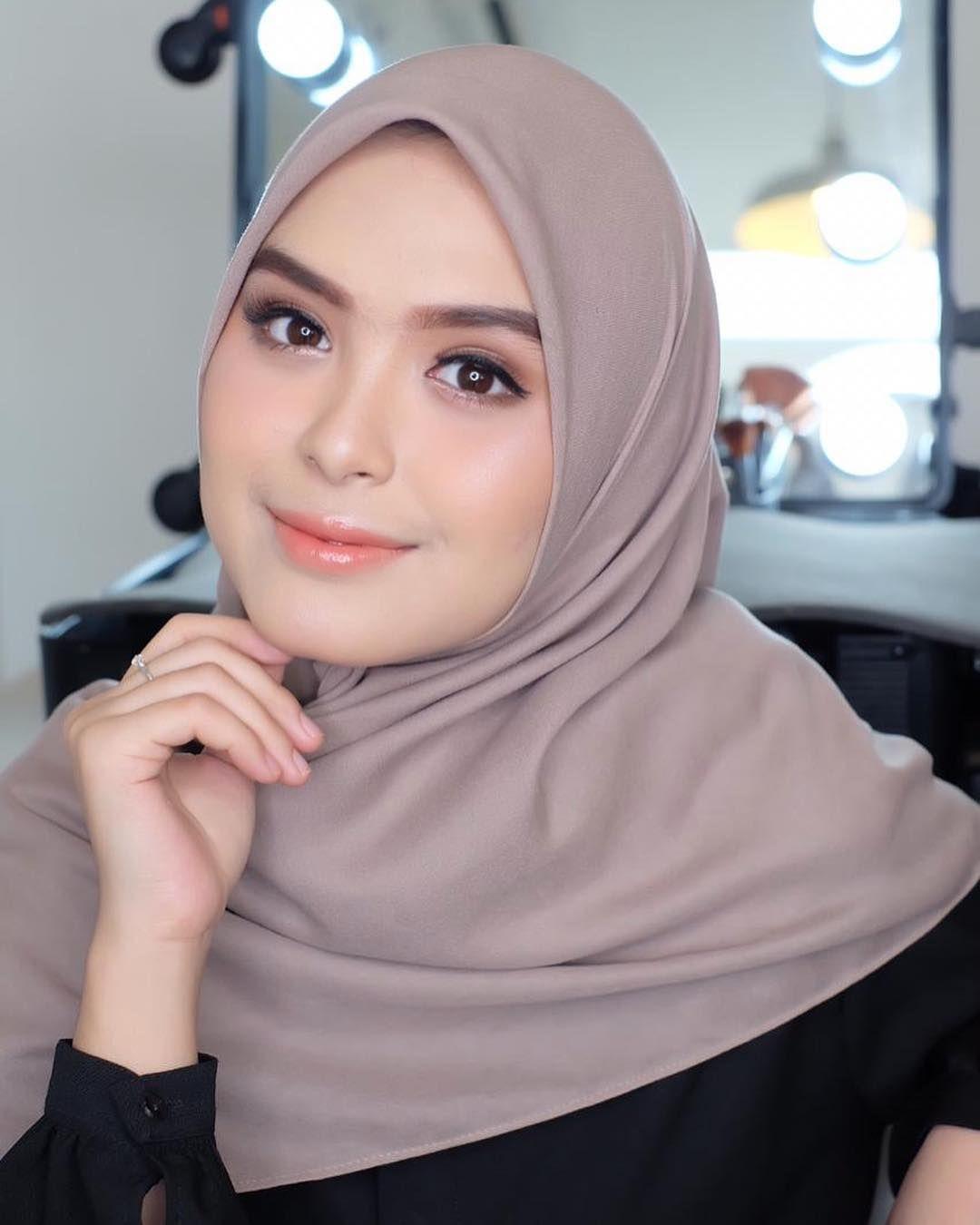 Make Up Simple Ala Mba Ku Ziabrides Jazakillah Khairan Mbakuh Jilbab Cantik Gaya Hijab Kecantikan
