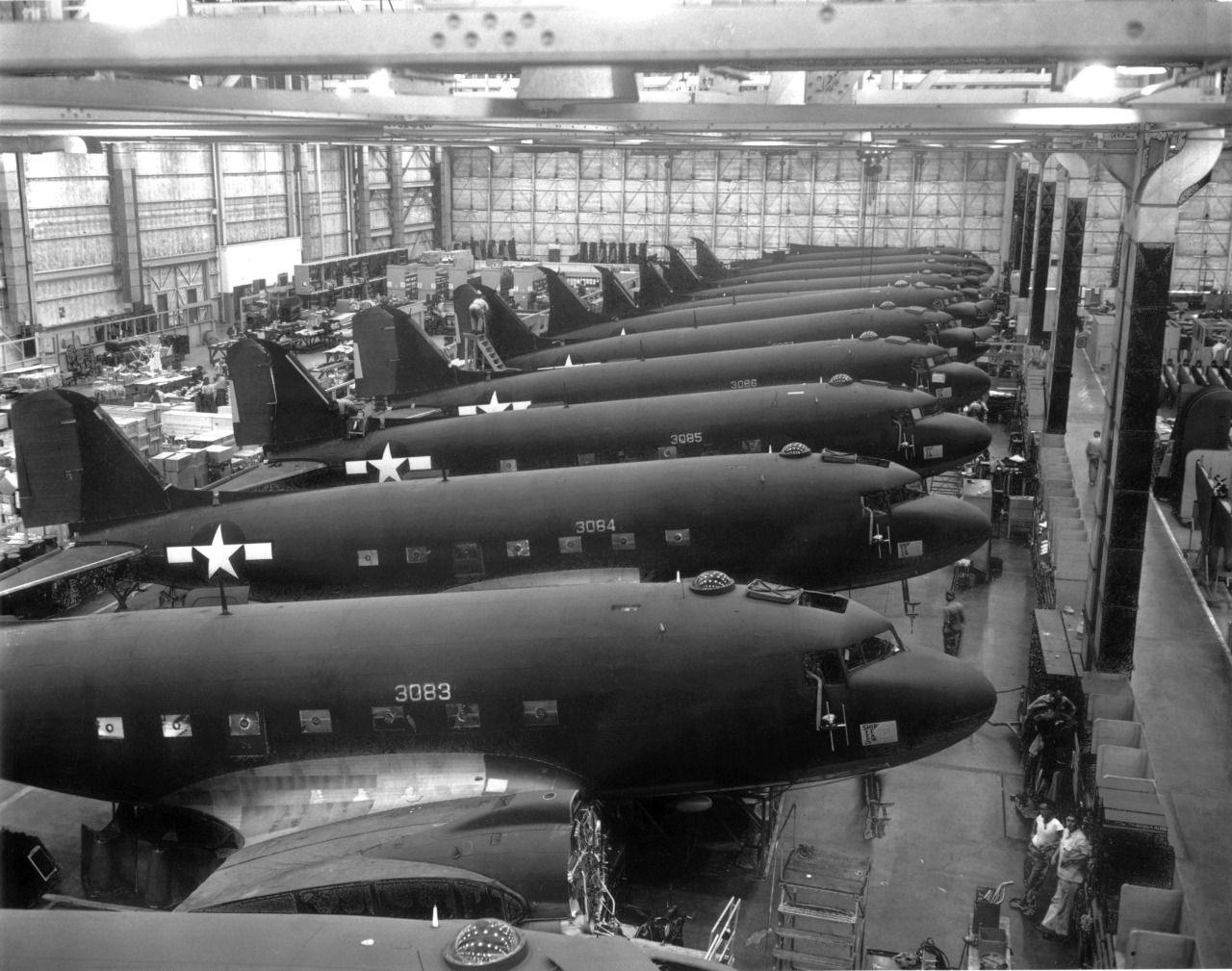 The Douglas Aircraft Plant Opened In Long Beach In 1940 Long Beach Airport Pearl Harbor Aircraft