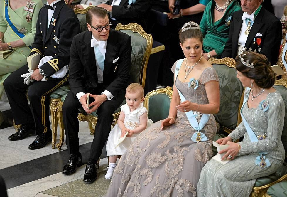 Princess Estelle (of Sweden) had a tiny chair, at her auntie's wedding! =D How cute!!