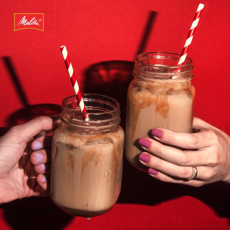 Aproveite o verão para inovar o jeito de preparar e consumir o seu Café Melitta!  Experimente nossas receitas geladas, ideais para se refrescar nos dias de calor: http://bit.ly/2lmyXPx ☀️ ☕️