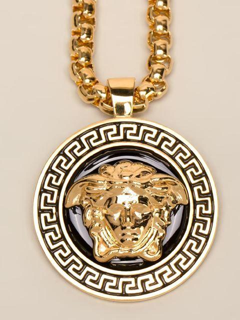 Versace collier chane maille carre pendentif medusa versace versace collier chane maille carre pendentif medusa aloadofball Images