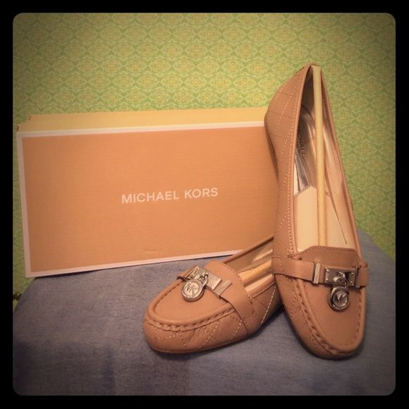 MICHAEL KORS Hamilton Leather Moccasins Crafted in durable saffiano leather with a stacked heel. The padded insole makes them just as comfortable as they are gorgeous! MICHAEL Michael Kors Shoes Flats & Loafers