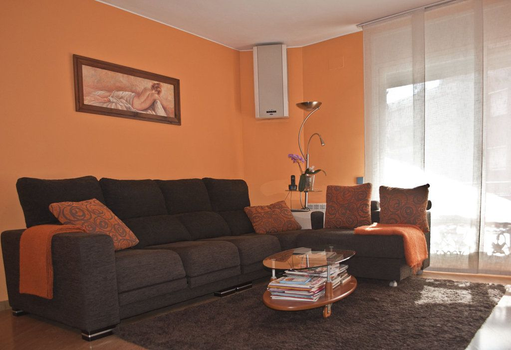 Salones naranjas en 2019 decoraci n sal n naranja for Decoracion interiores salones