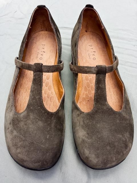 Privo by Clarks Brown Suede Leather T Strap Mary Jane Slip On US Size 8.5 #