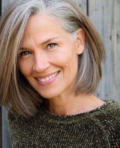 50 meilleures coiffures pour cheveux fins de plus de 50 ans (photos de femmes âgées stylées)
