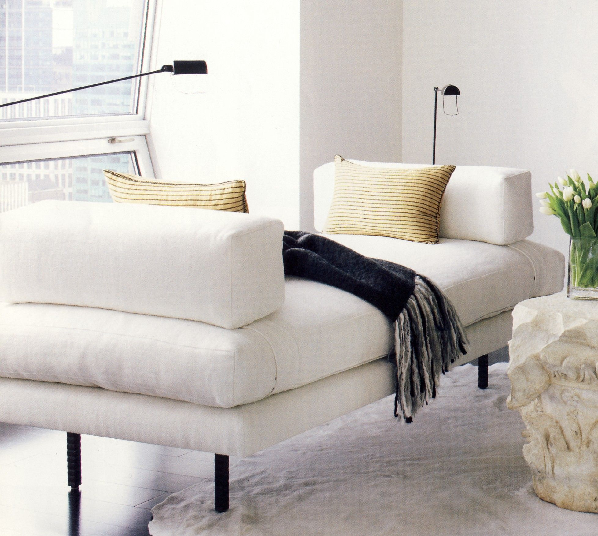 Chaise for the foot of the bed Furniture decor, Chaise