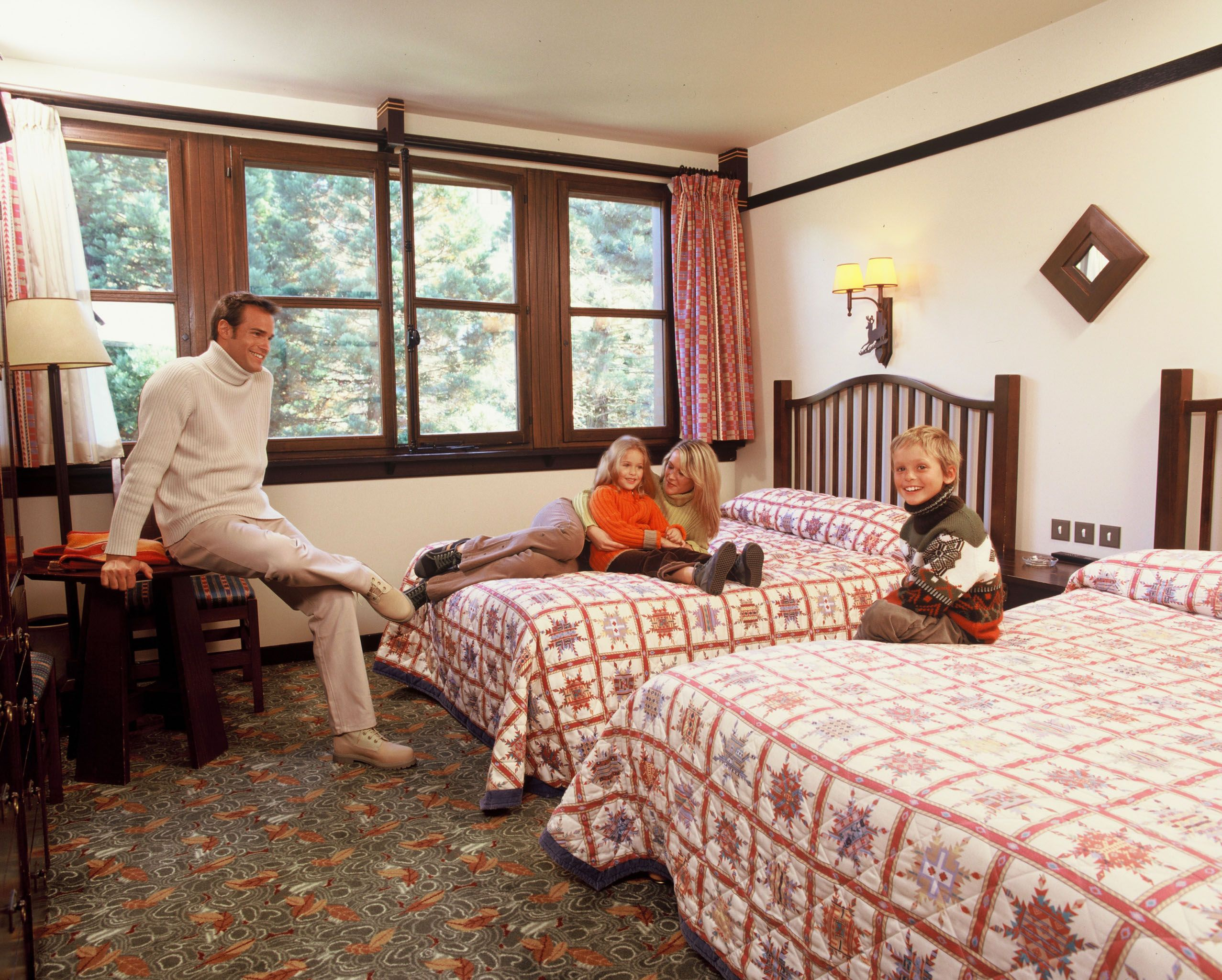 Disney hotels sequoia lodge standard double room for Chambre hotel disney
