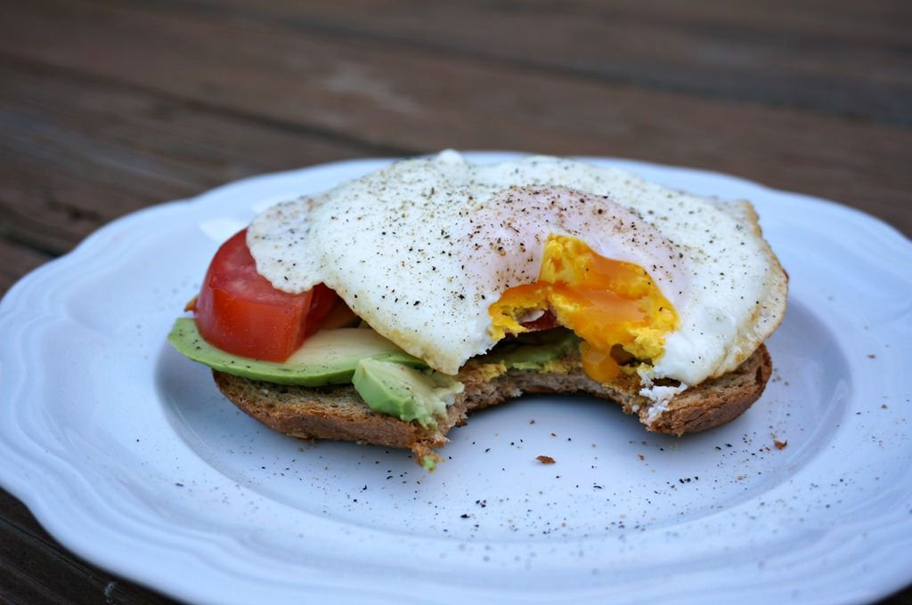 How To Make The Perfect Over Medium Egg A Healthy Slice Of Life Healthy Slice Healthy Healthy Breakfast