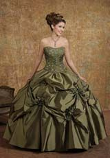 Victorian prom dresses.....Beautiful....but NOT on me...I would want ...