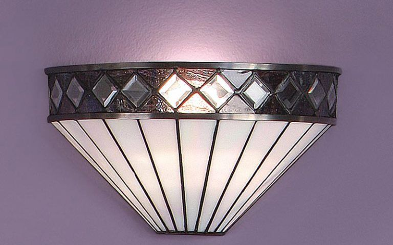 Fargo art deco style tiffany wall light in art deco