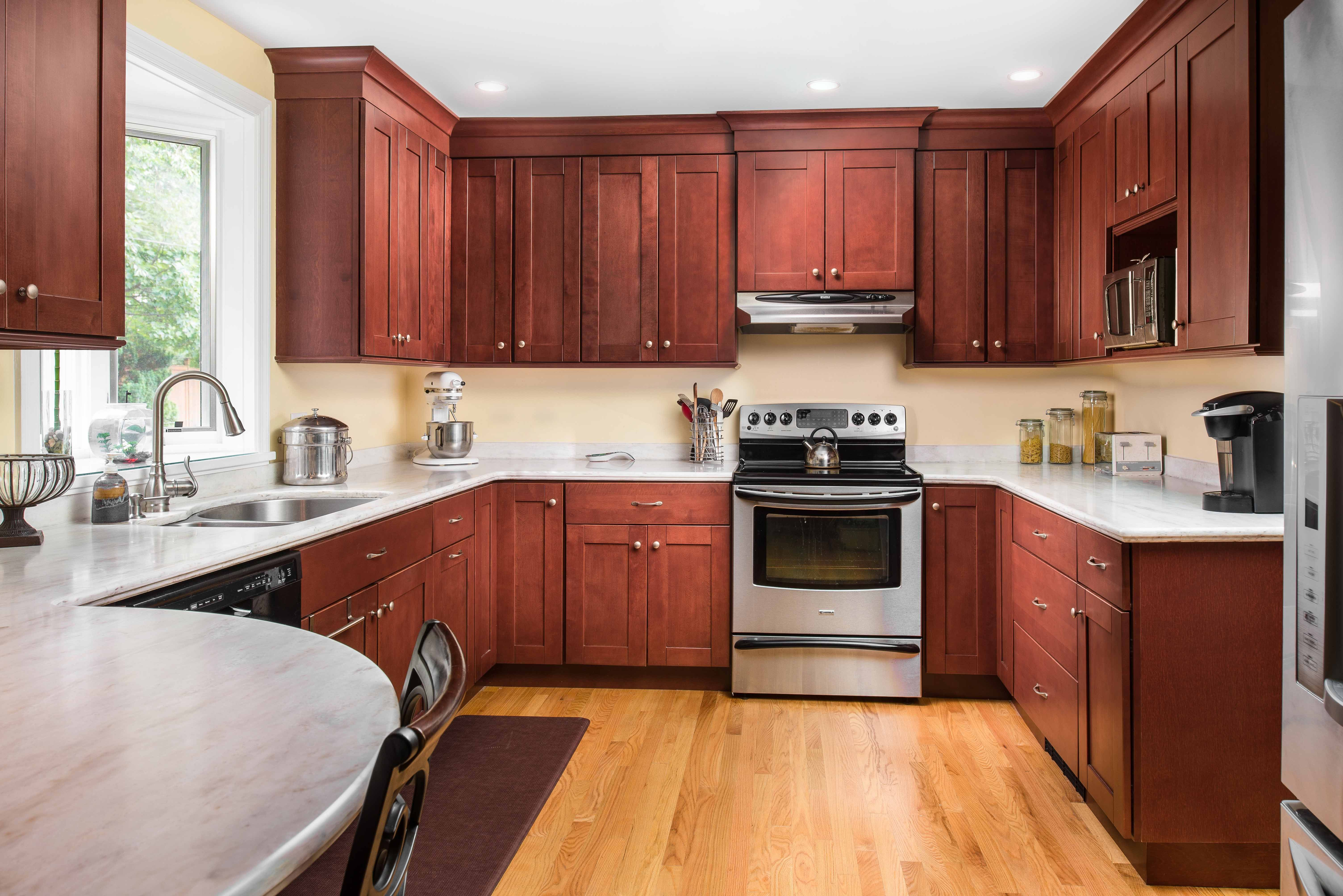 Why shaker style kitchen cabinets never go out of style ...