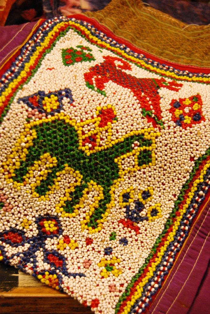 Bosseta antiga de beadwork, India