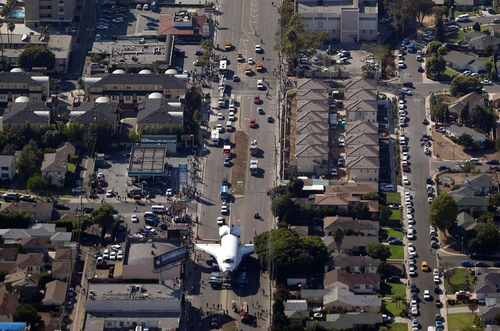 A Space Shuttle on the Streets of Los Angeles - In Focus - The Atlantic
