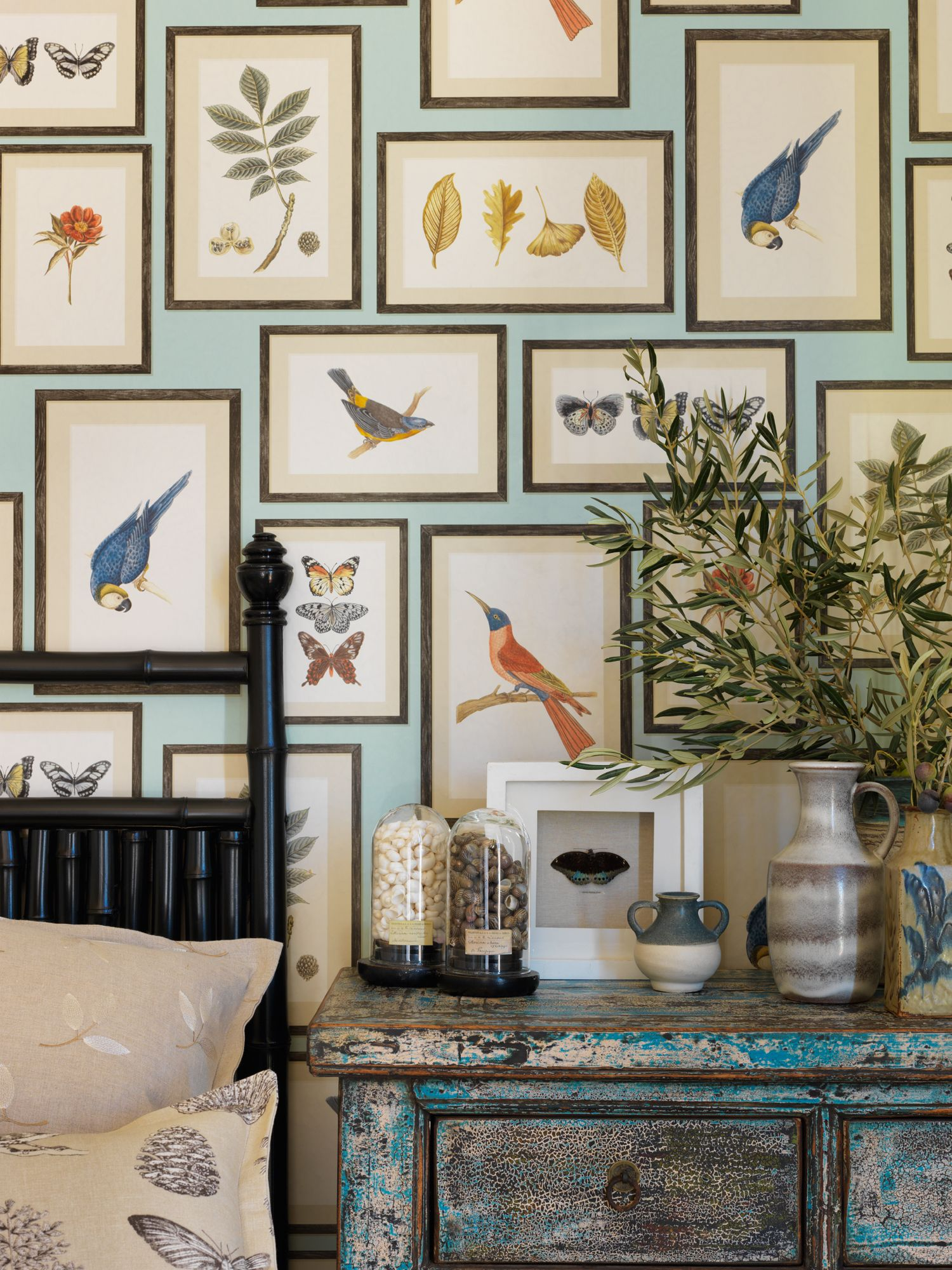 This new range from sandersons is making me remodel my bedroom! Wallpaper: Picture Gallery 213400