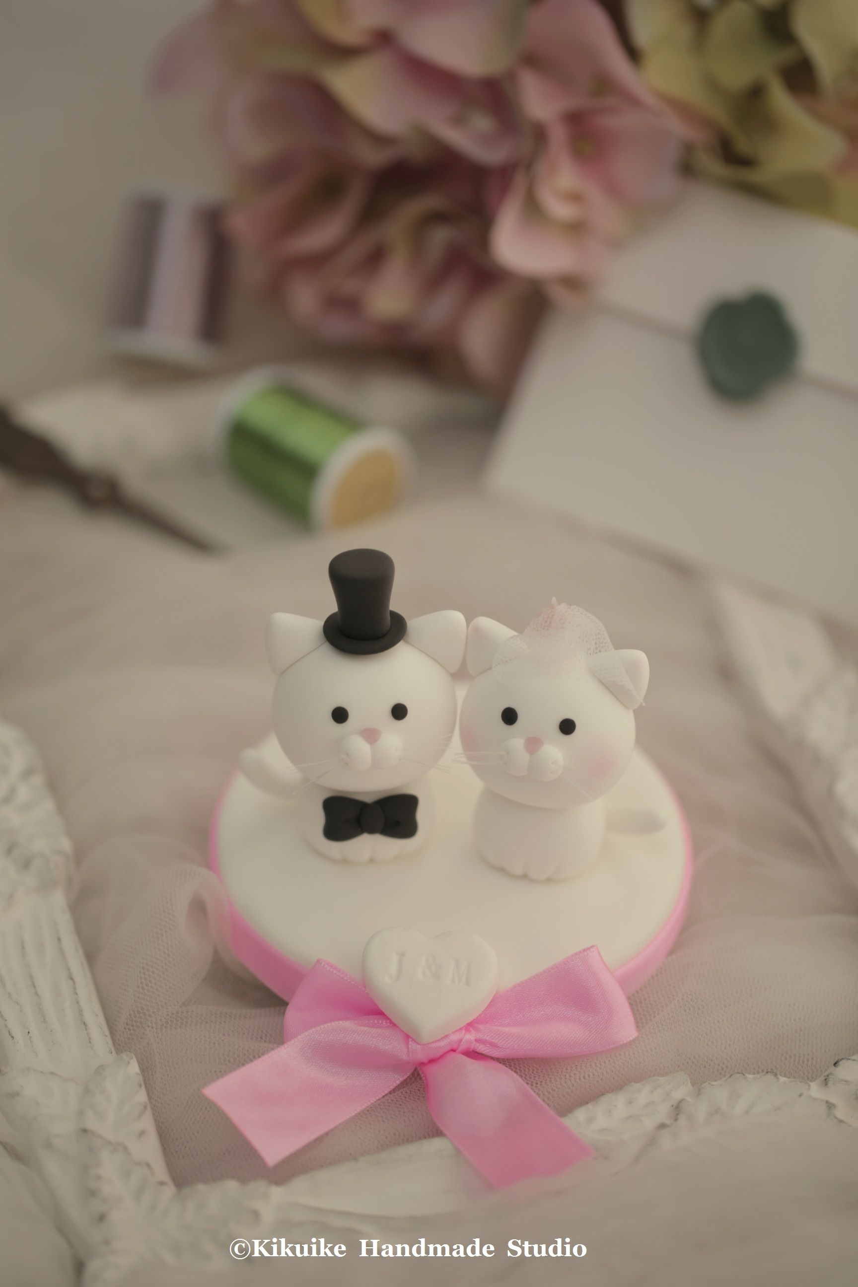 Lovely cat and kitty wedding cake topper cakes pinterest