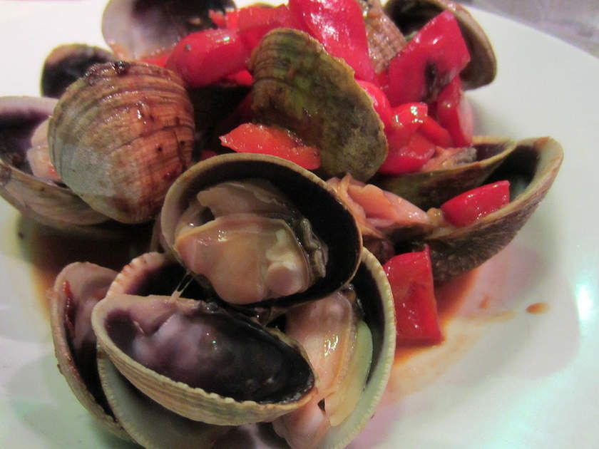 Find this Tasty Red Clam Sauce recipe and over a million other food and drink recipes at www.reciping.com