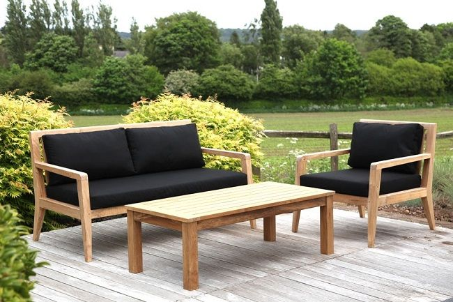 Entertaining Contemporary Garden Furniture