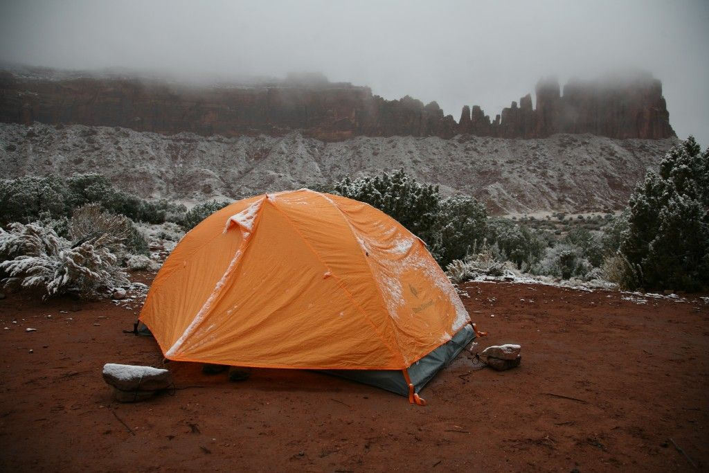 Stay warm and dry with the right tent - Backpacking Tent Reviews - OutdoorGearLab & Stay warm and dry with the right tent - Backpacking Tent Reviews ...
