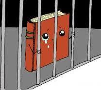 Sogno: rubano 2 scatoloni di libri, uno @garzantilibri e uno @lanavediteseoed e li nascondono a casa mia. Panico che gli editori lo scoprano