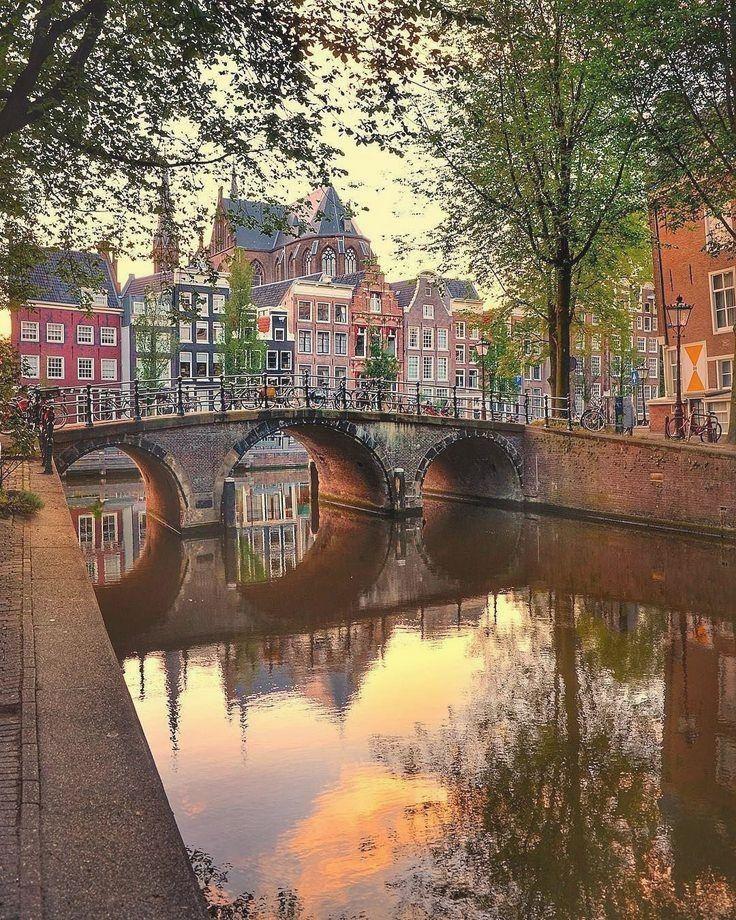 Amsterdam, The Netherlands Netherlands Zugriff auf unsere Website Viel mehr Informationen https://storelatina.com/netherlands/travelling #travelNetherlands #Netherlandstravel #NetherlandsFood #travelholland