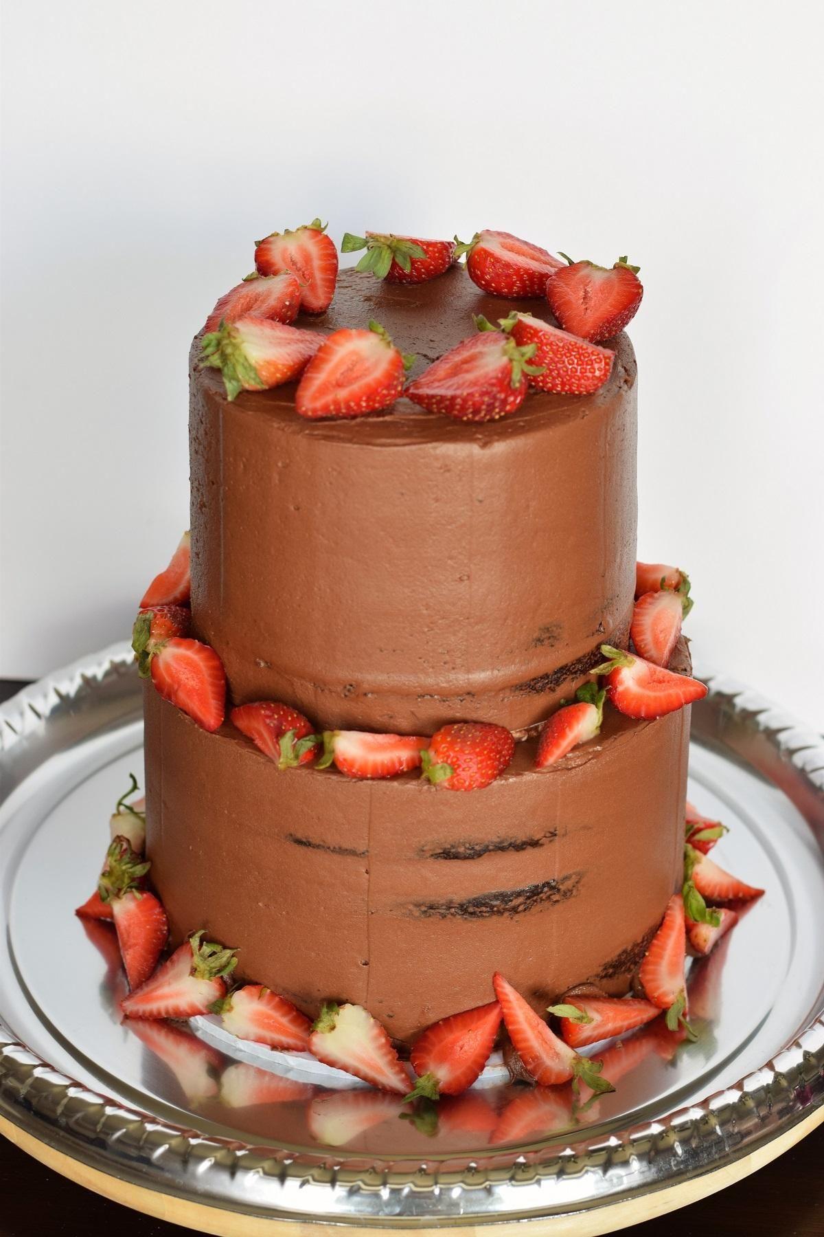 Chocolate Wedding Cake With Strawberry Filling Bunny Baubles 1200 1800 Strawberry Cake Filling Strawberry Cakes Cake