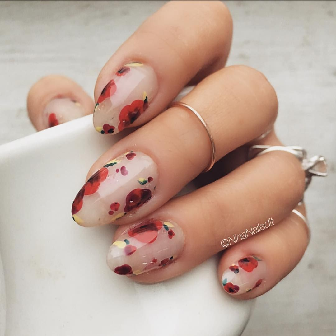 3 918 Likes 47 Comments Nina Park Nail Art Boston Ninanailedit On Instagram Happy Holidays I M Home In San Cle Flower Nails Floral Nails Cute Nails