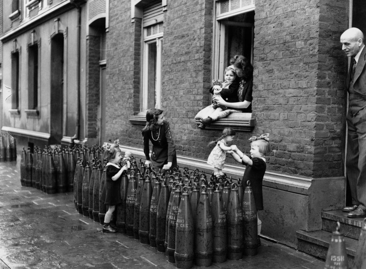 17 Fotos Historicas De Ninos Jugando En Tiempos De Guerra Fotos