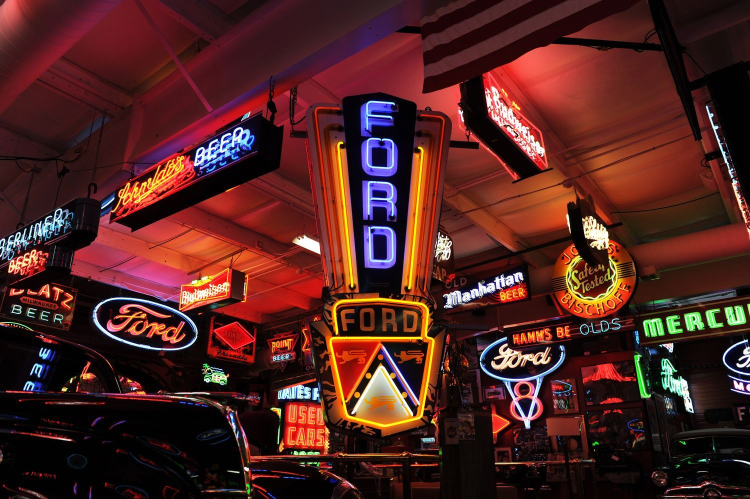 Man Cave Neon Signs For Sale : Neon signs add color to rm dingman sale