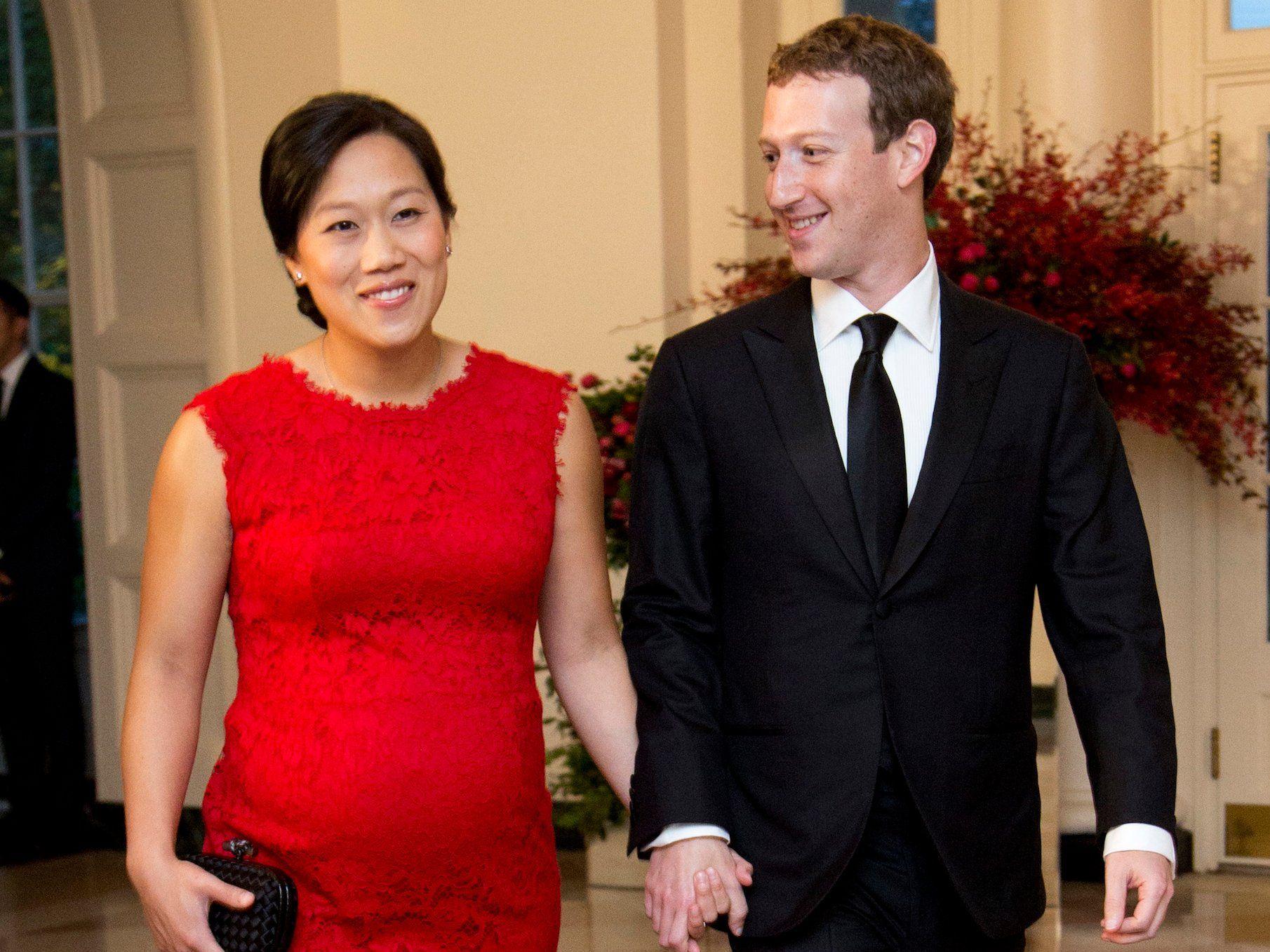 Facebook Ceo Mark Zuckerberg Net Worth And How He Spends His Wealth Mark Zuckerberg House Mark Zuckerberg Zuckerberg