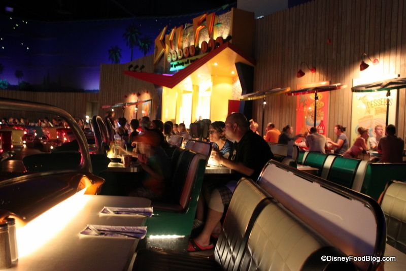 Review: Sci-Fi Dine-In Theater's New Menu | the disney food blog