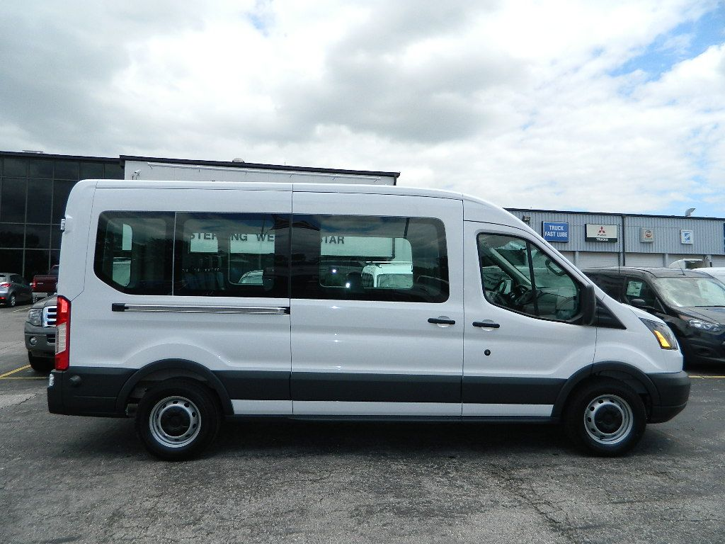 Bahahahaha Oh My Gosh But I M Serious Ford Transit 12 Passenger Van Ford