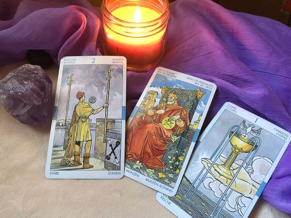 10+ Does He Love Me Free Tarot Reading