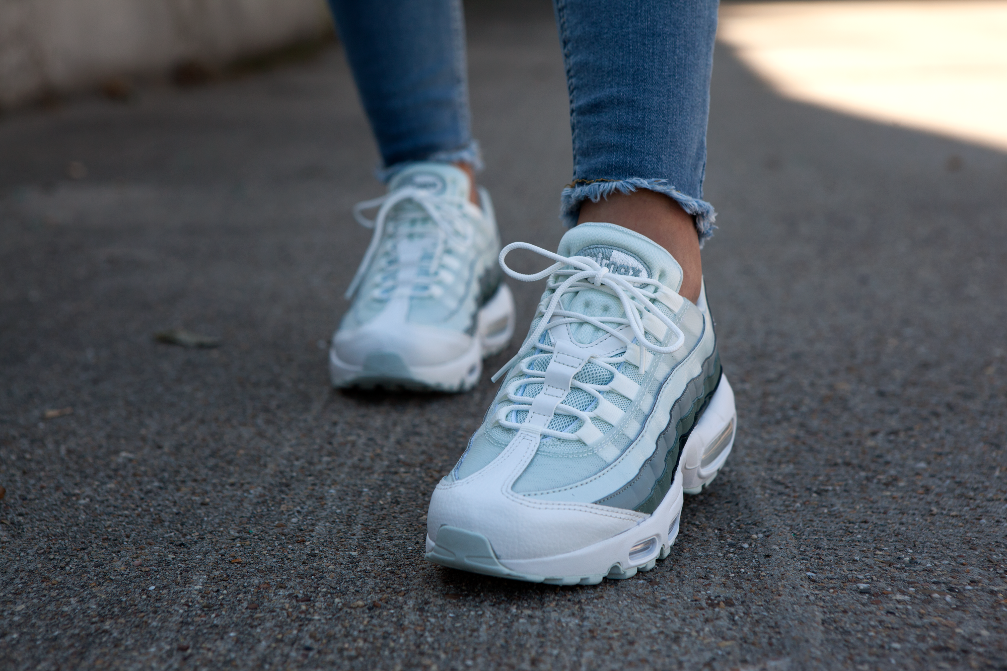 3b3d583aa45 Nike Air Max 95 | Blauw/Grijs | Dames | Shoes Please in 2019 - Nike ...