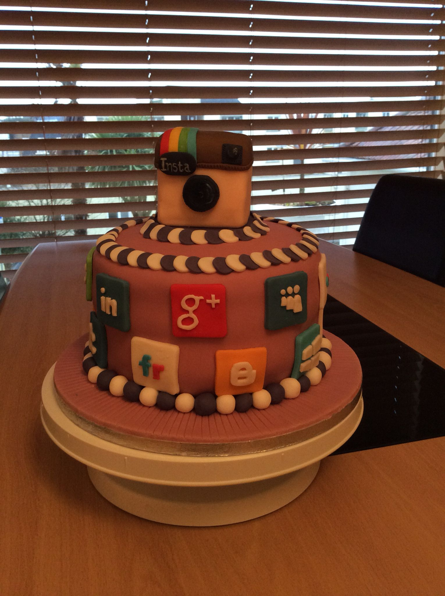 Social Media Cake Festa